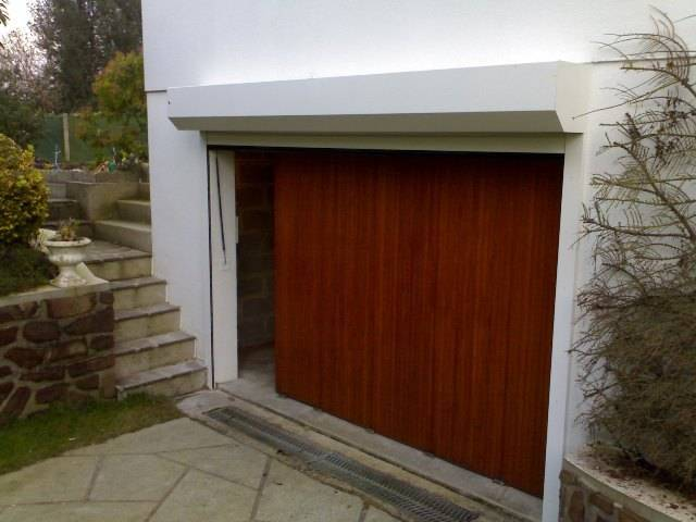Pose d 39 un eporte de garage enroulable par miroiterie elbeuvienne secteur bosc roger en roumois - Pose porte de garage enroulable ...