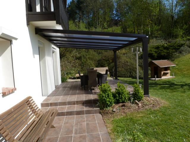 terrasse pergola simple pergola tonnelle bien choisir votre sol de terrasse et votre destin. Black Bedroom Furniture Sets. Home Design Ideas
